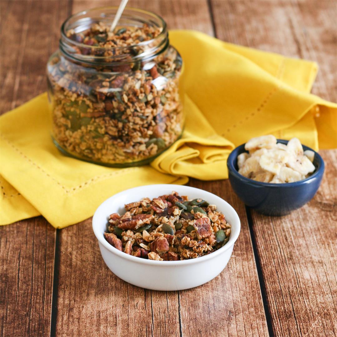 Date and cinnamon granola