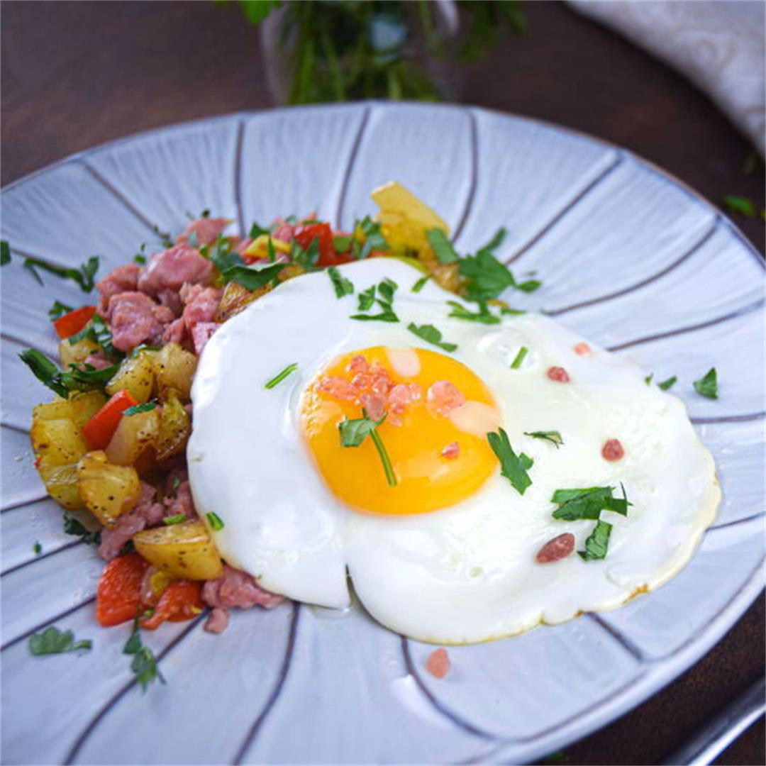 Electric Skillet Sausage and Egg Breakfast Hash