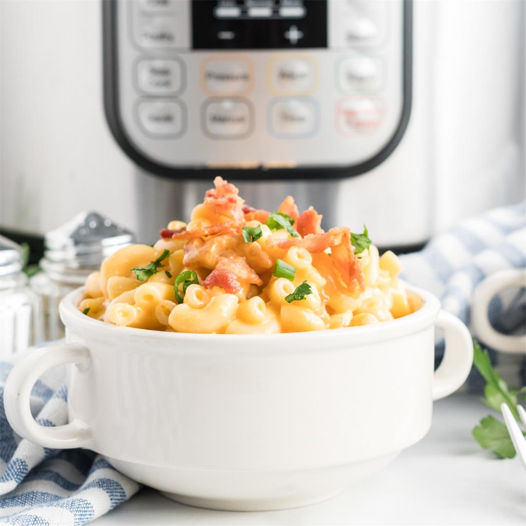 Instant Pot Mac & Cheese (with Bacon!)