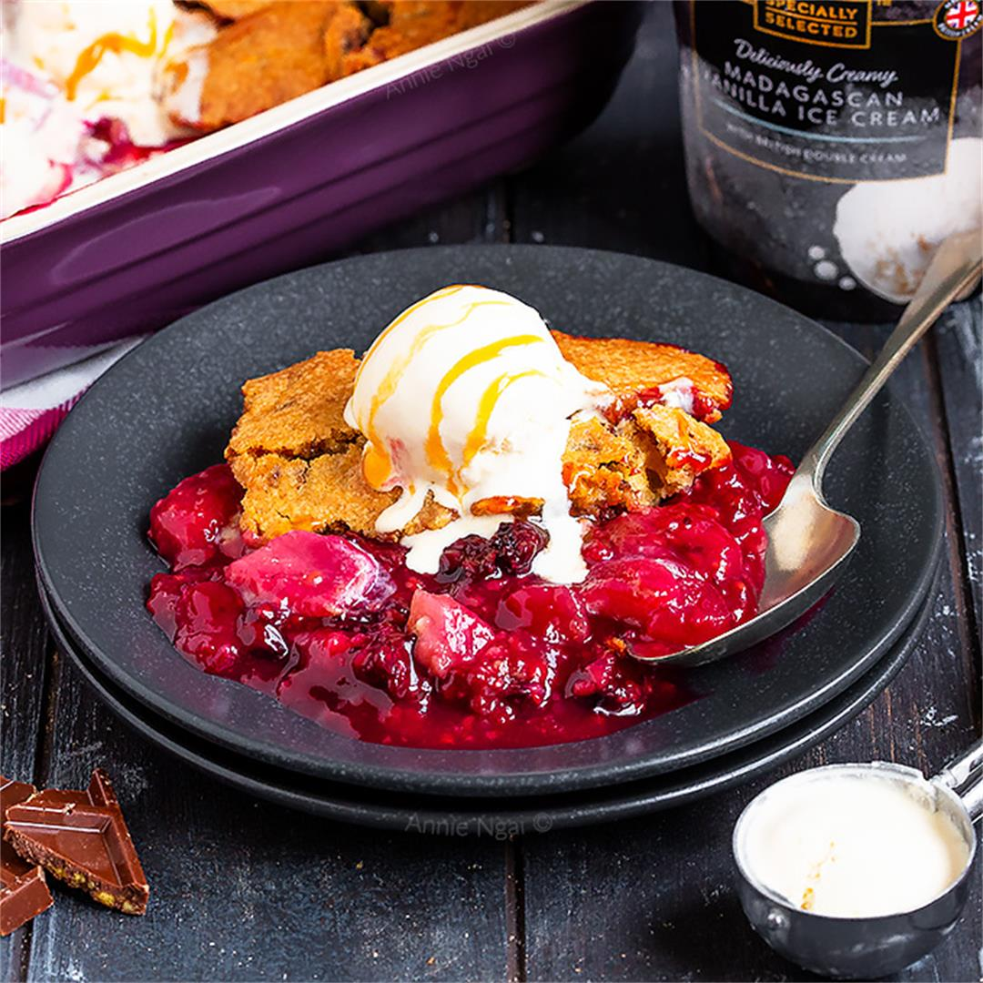 Pear, Berry and Chocolate Cobbler