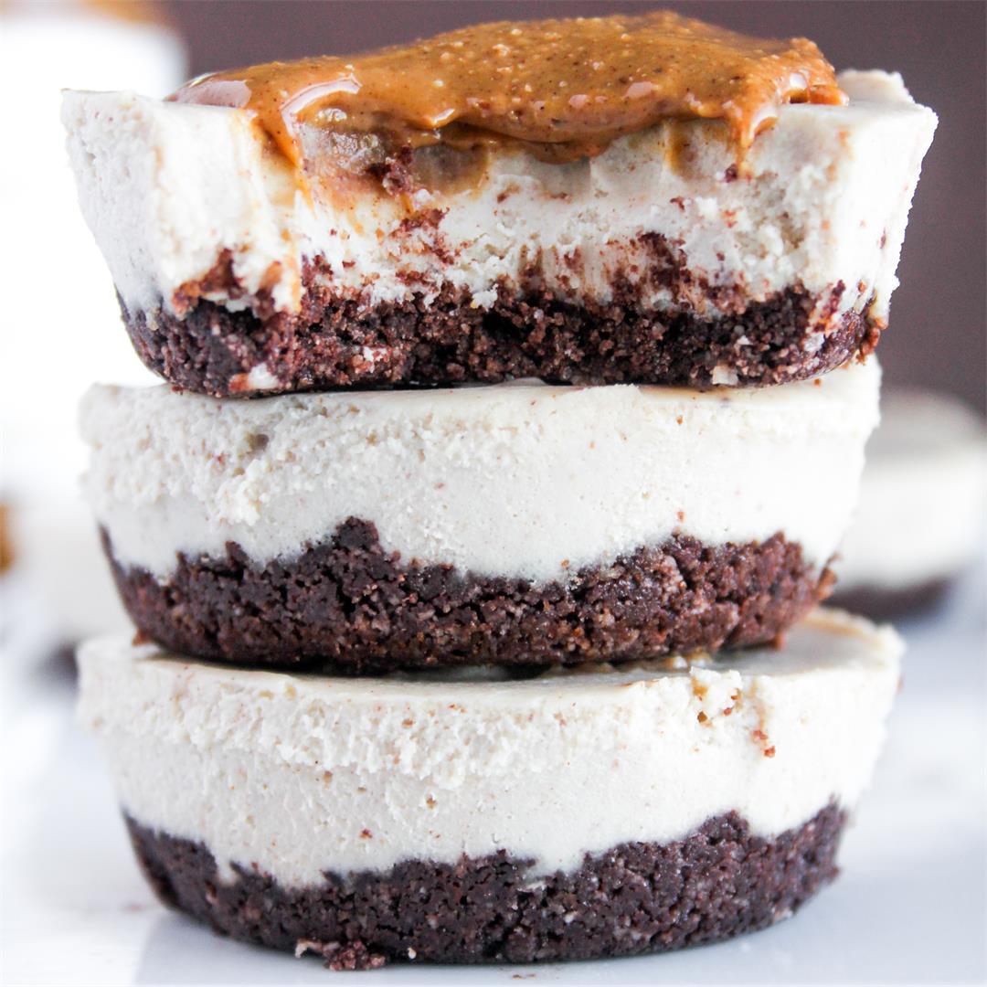 No-Bake Cinnamon Snickerdoodle Cheesecakes