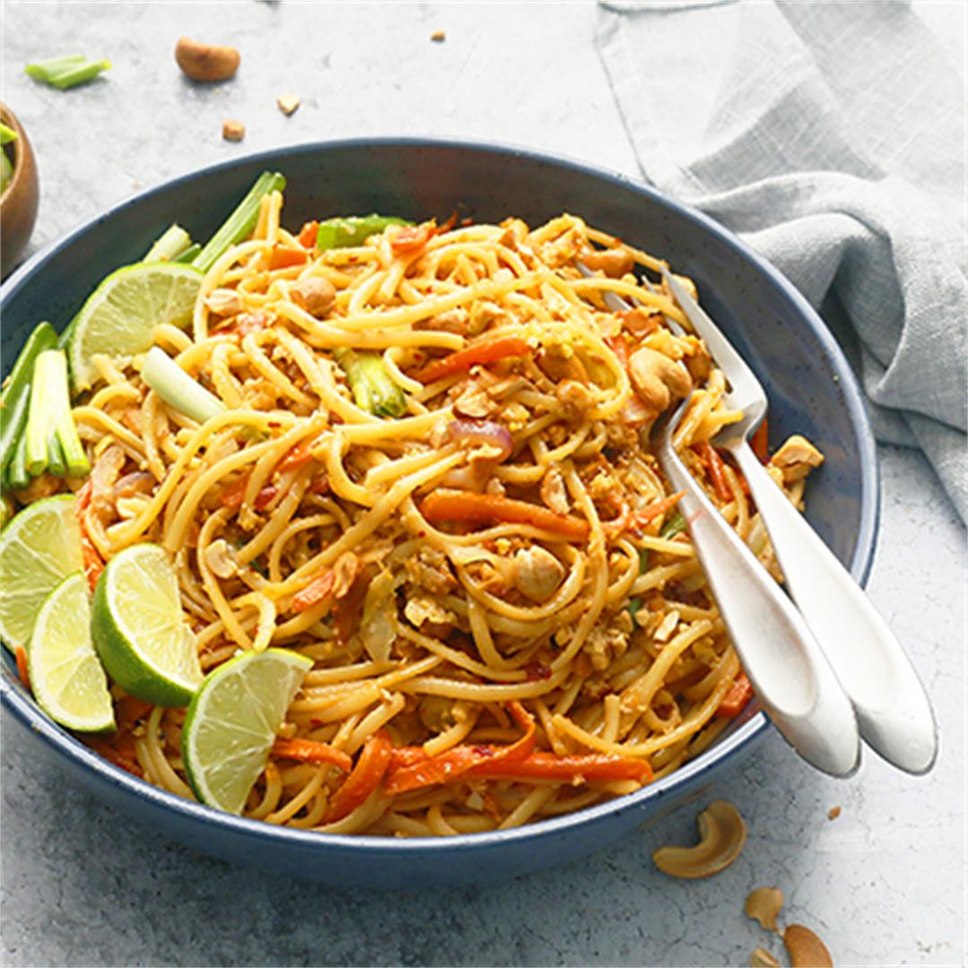 Thai Spicy Noodles with Vegetables
