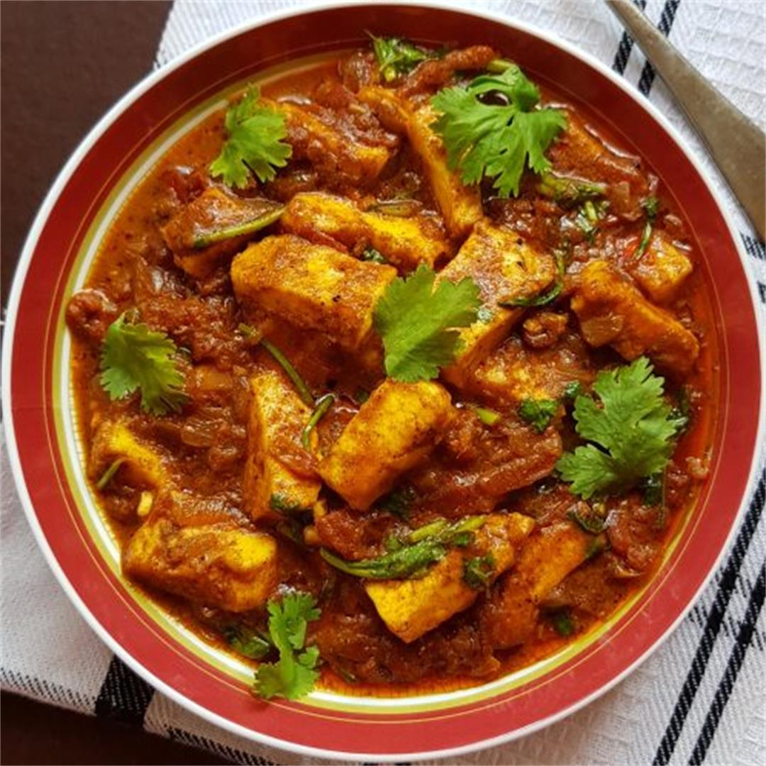 Chettinad Spicy Paneer/ How To Make Simple Cottage Cheese Curry