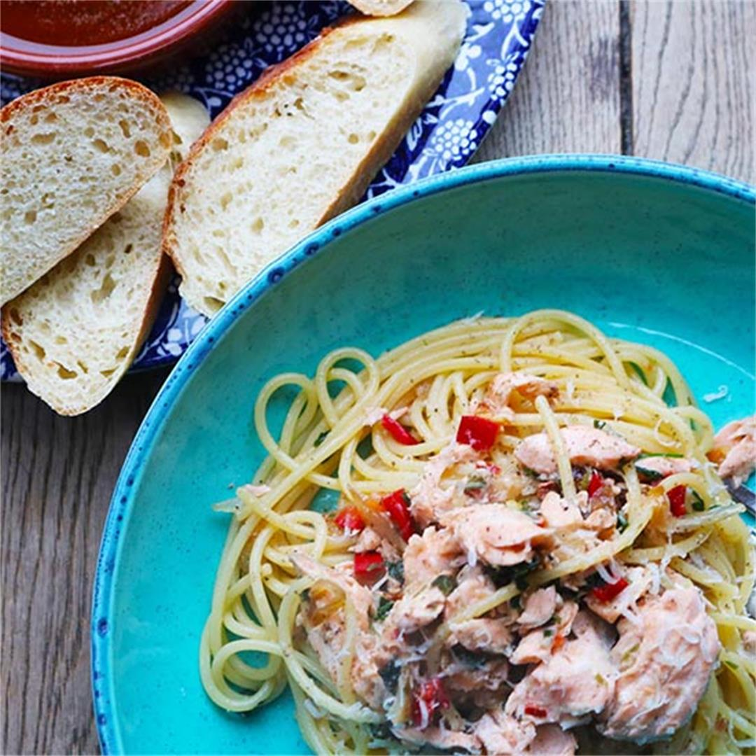 Spaghetti with Hot Smoked Salmon, Chilli and White Wine