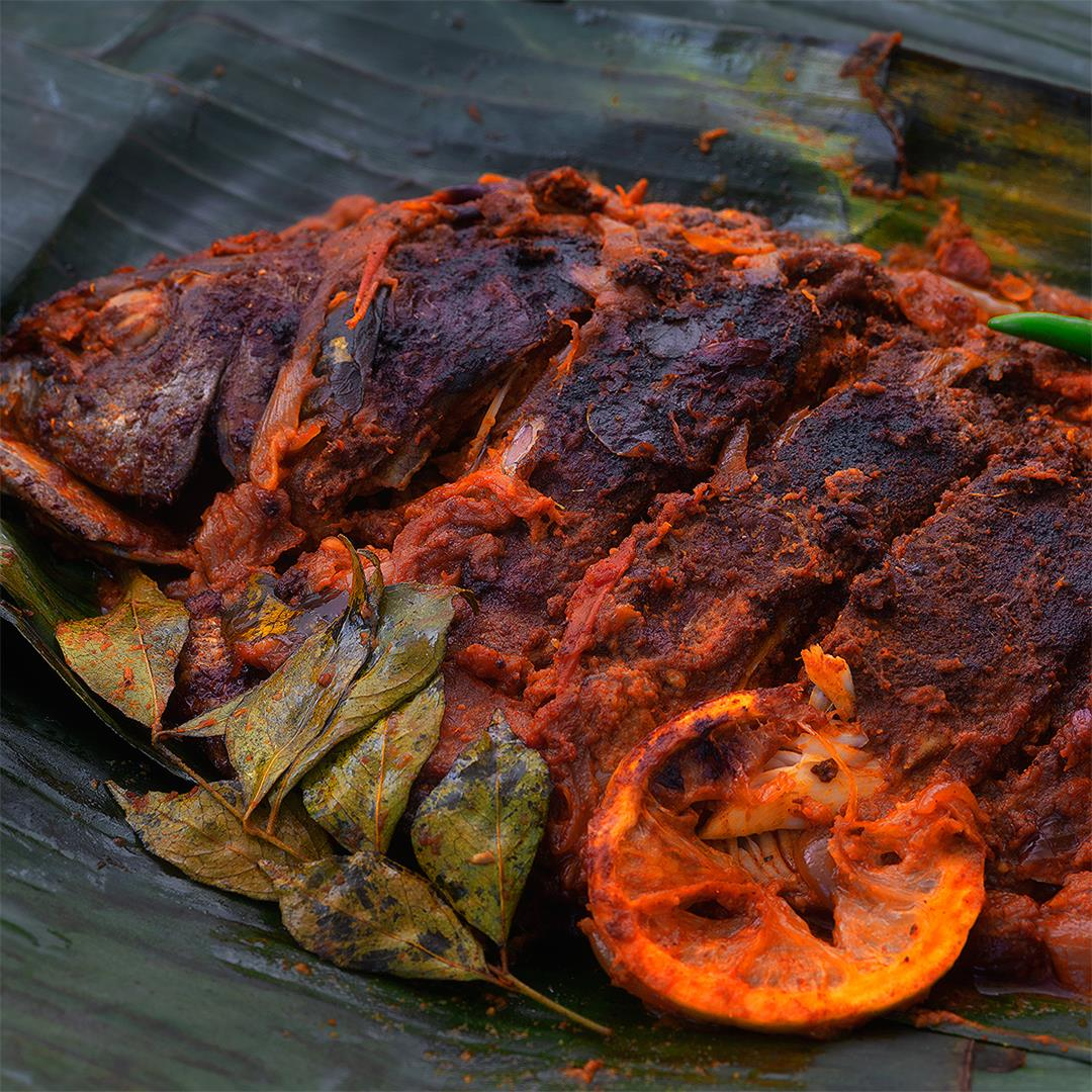 Kerala Meen Pollichathu Recipe | Fried fish in Banana leaf