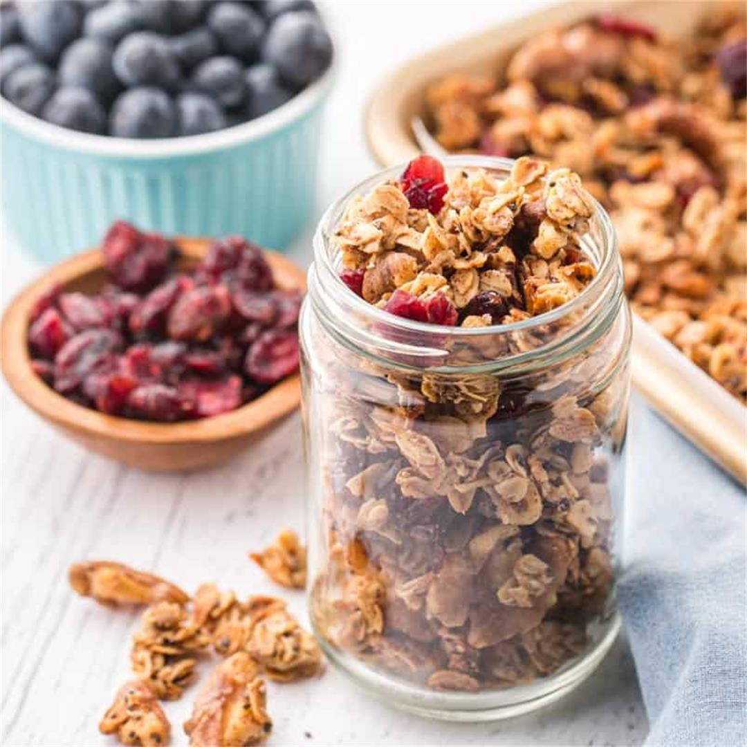 Healthy Granola Recipe (Homemade)
