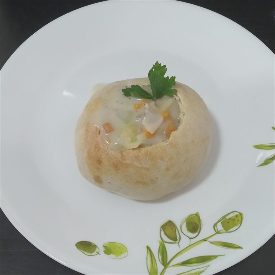 Low-fat New England Clam chowder bread bowl from scratch