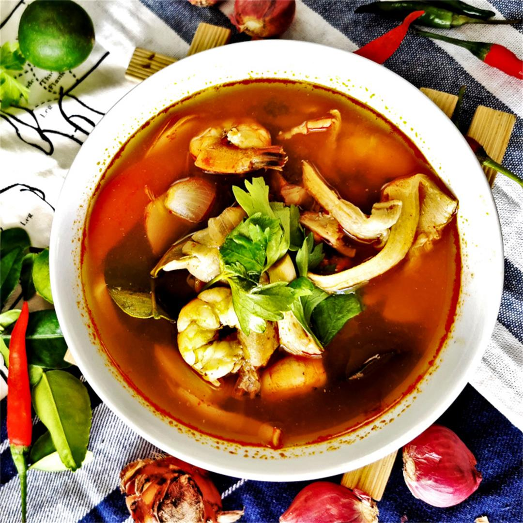 Tom yum soup recipe- How to make the best Thai spicy soup