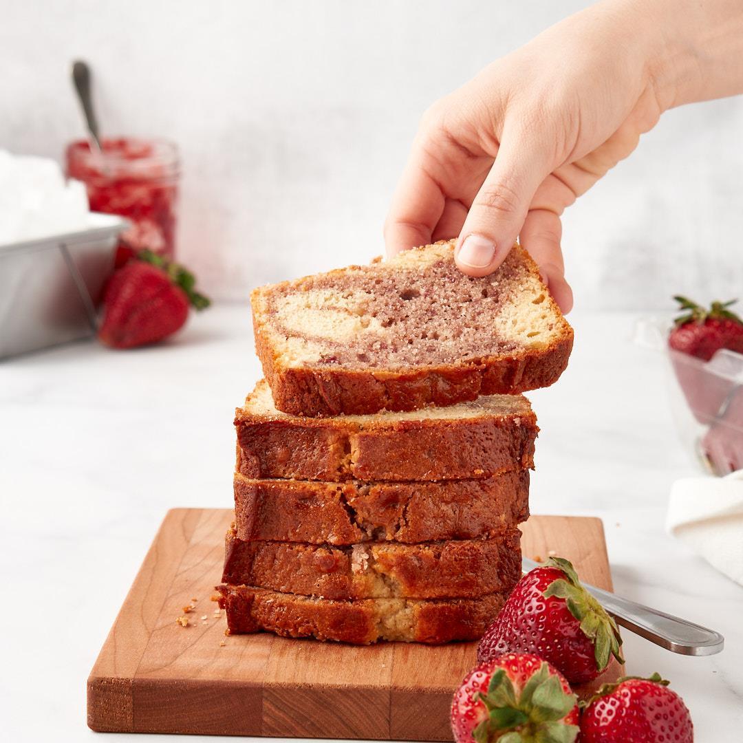 Strawberry swirl yogurt cake » 8th Street Mess