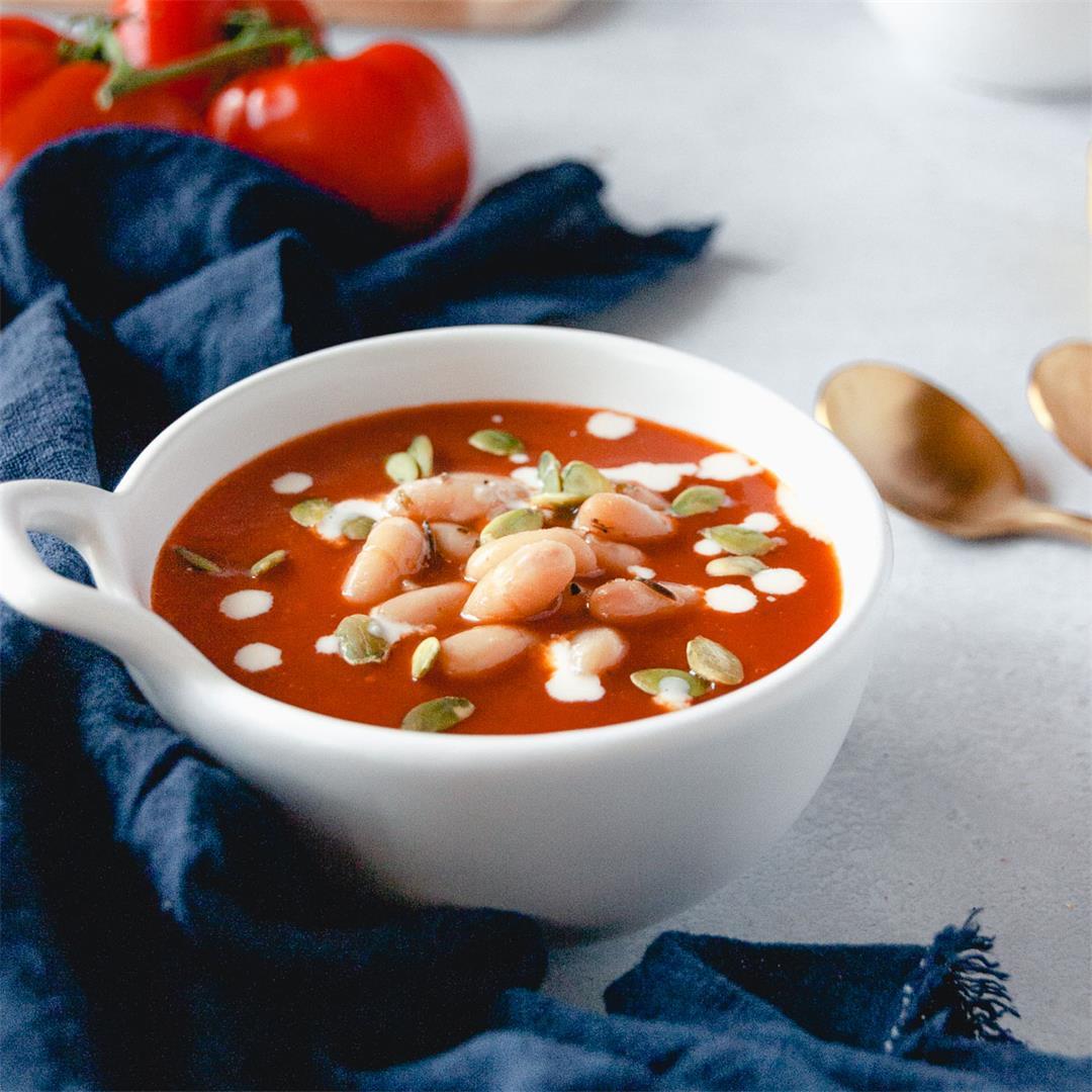 Creamy Vegan Tomato Soup (Oil-free)