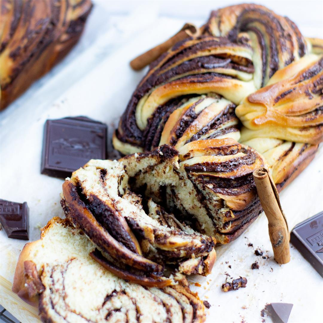 Chocolate Babka (Jewish Chocolate Swirl Bread)