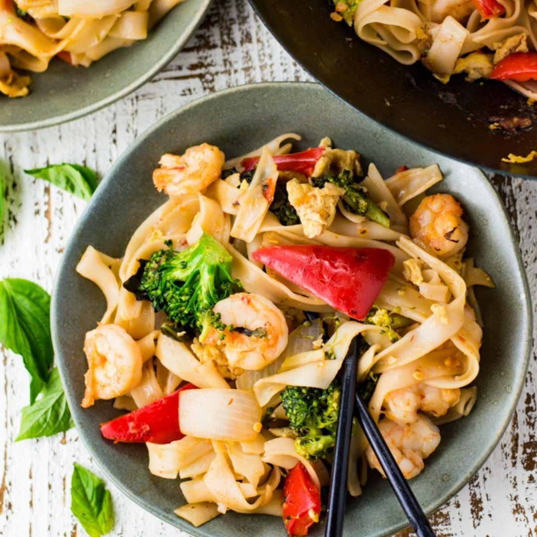 Thai Drunken Noodles Recipe with Shrimp