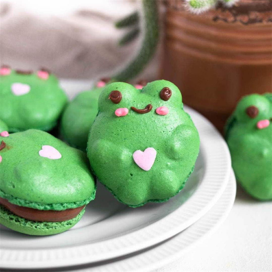 TikTok Frog Macarons