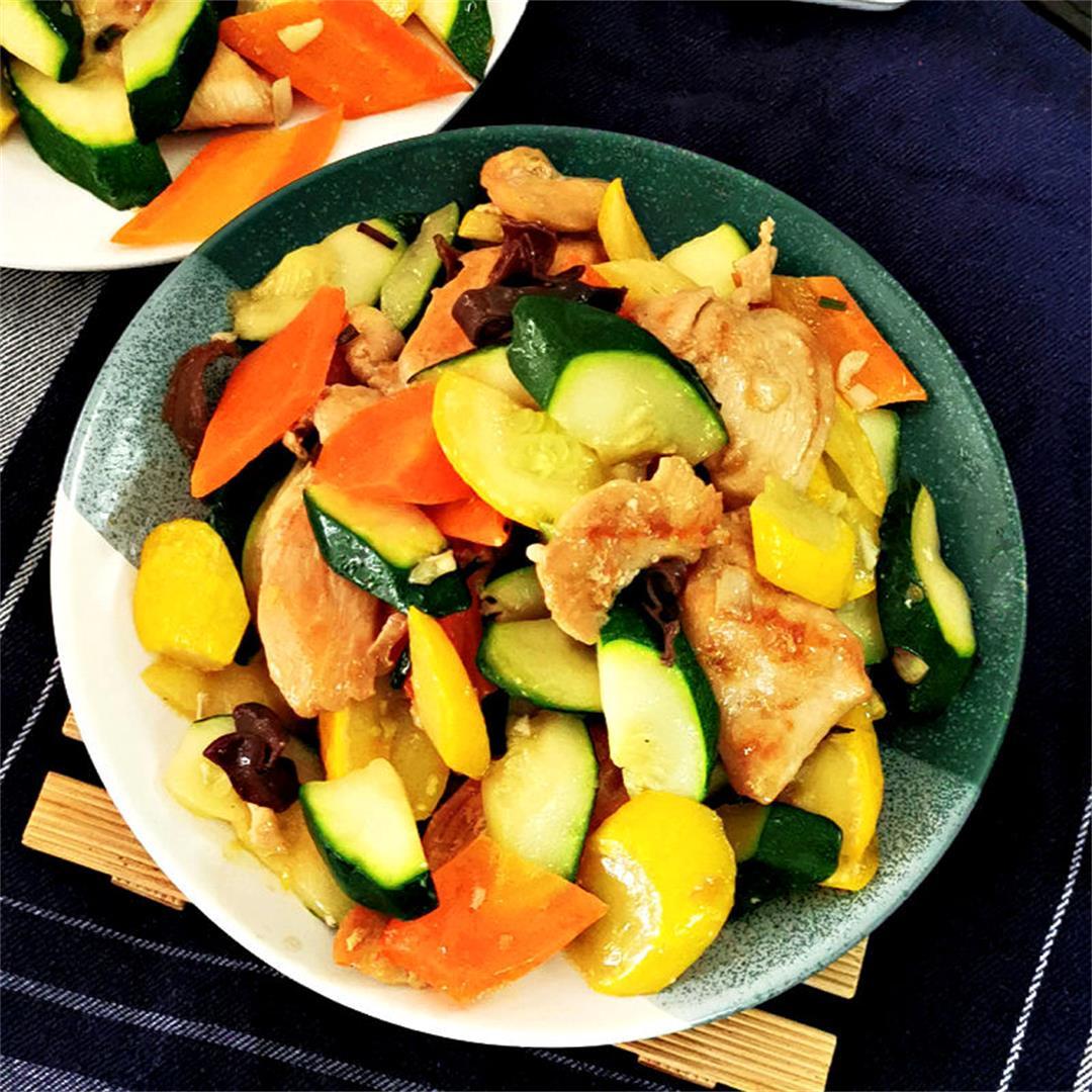Zucchini stir fry with chicken