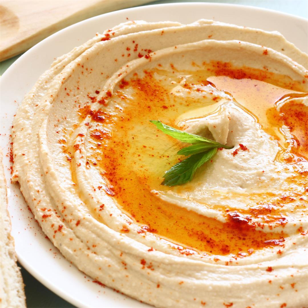 Classic Hummus Recipe From Scratch