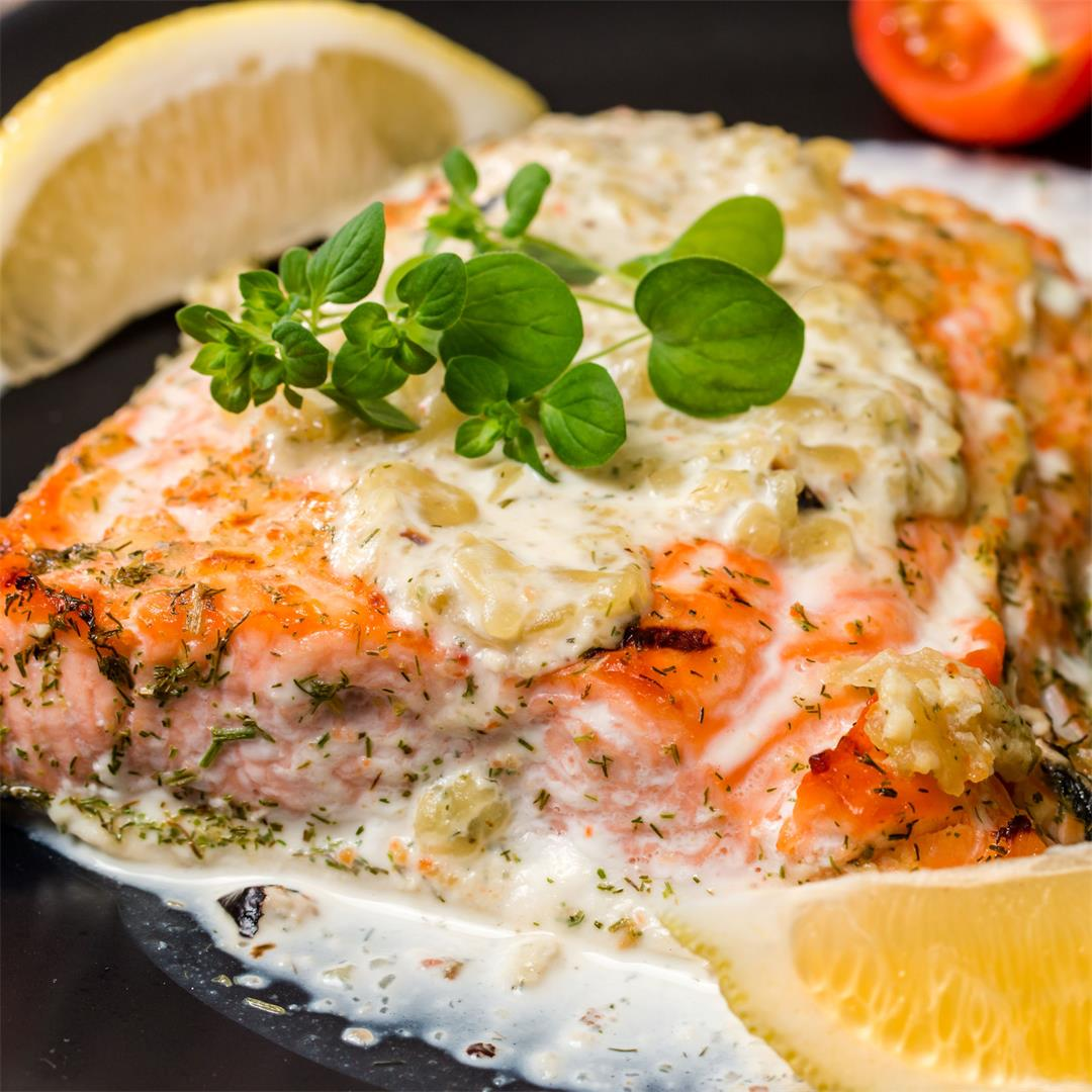 Grilled Salmon With Garlic Lemon Butter Sauce
