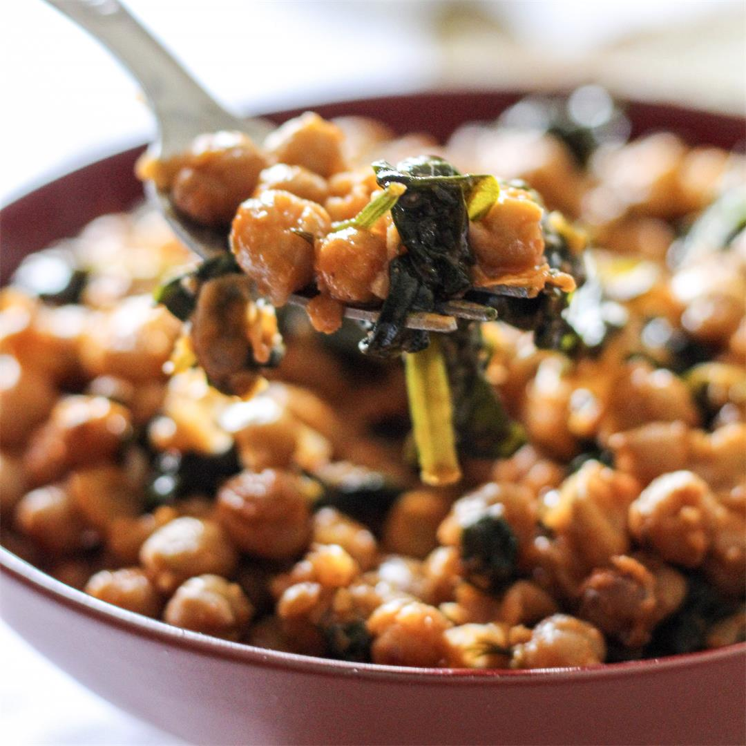 Spicy Chickpea Spinach Salad