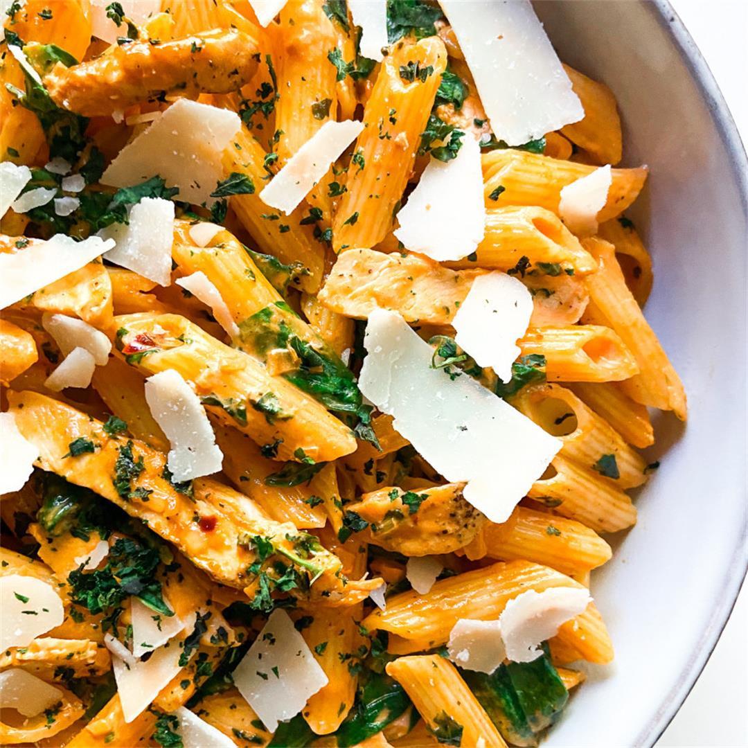 Creamy Chicken Pasta with Spinach – Sugary Logic