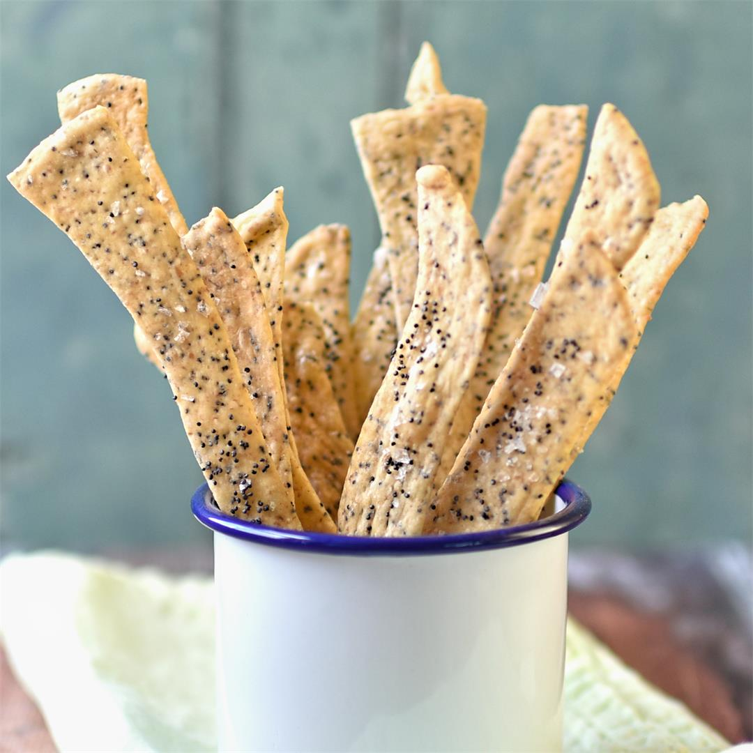 olive oil and poppy seed sourdough crackers