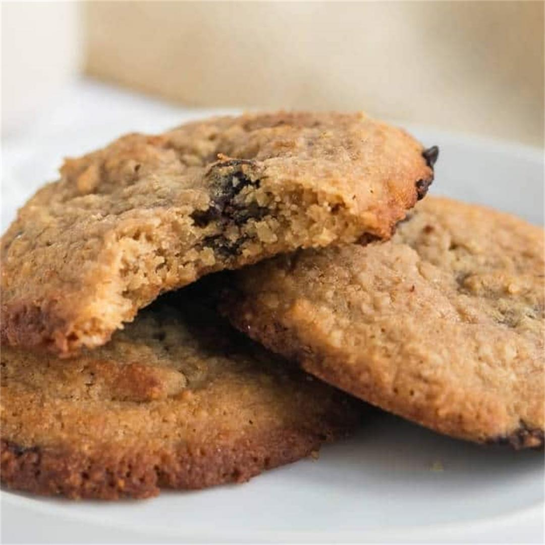 Chewy Low-Carb Keto Chocolate Chip Cookies