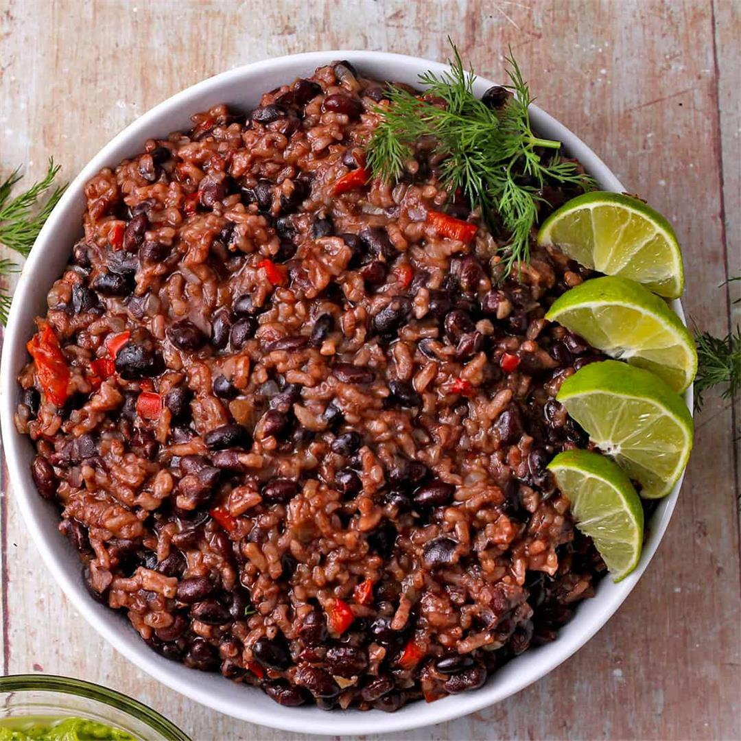 Instant Pot creamy Cuban black beans risotto