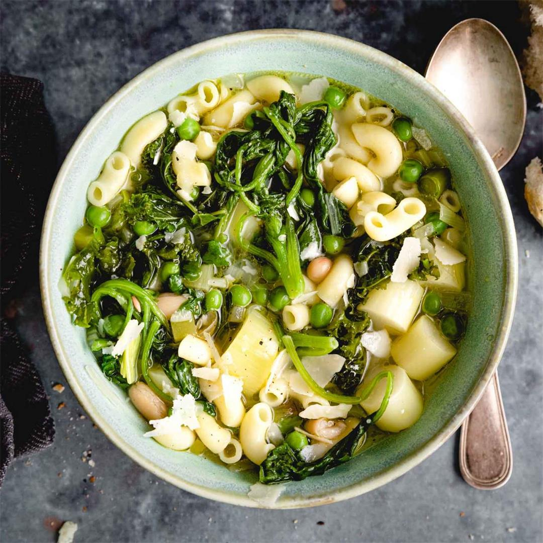 Vegetarian Minestrone Soup with Pasta