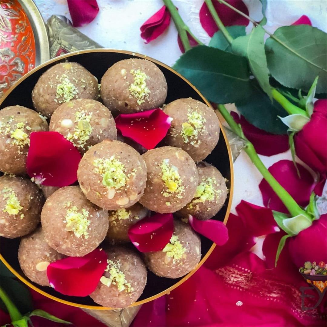 Rajasthani Churma Ladoo Recipe