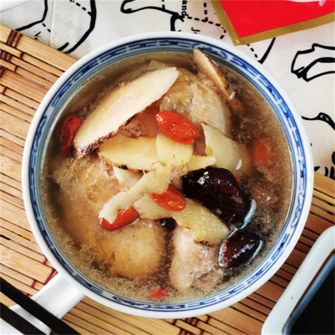 How to prepare the best Chinese style chicken herbal soup