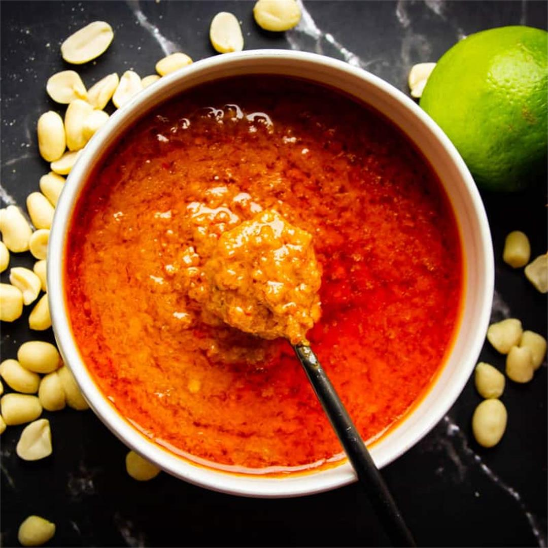 Sweet and Spicy Peanut Sauce – The Real Deal