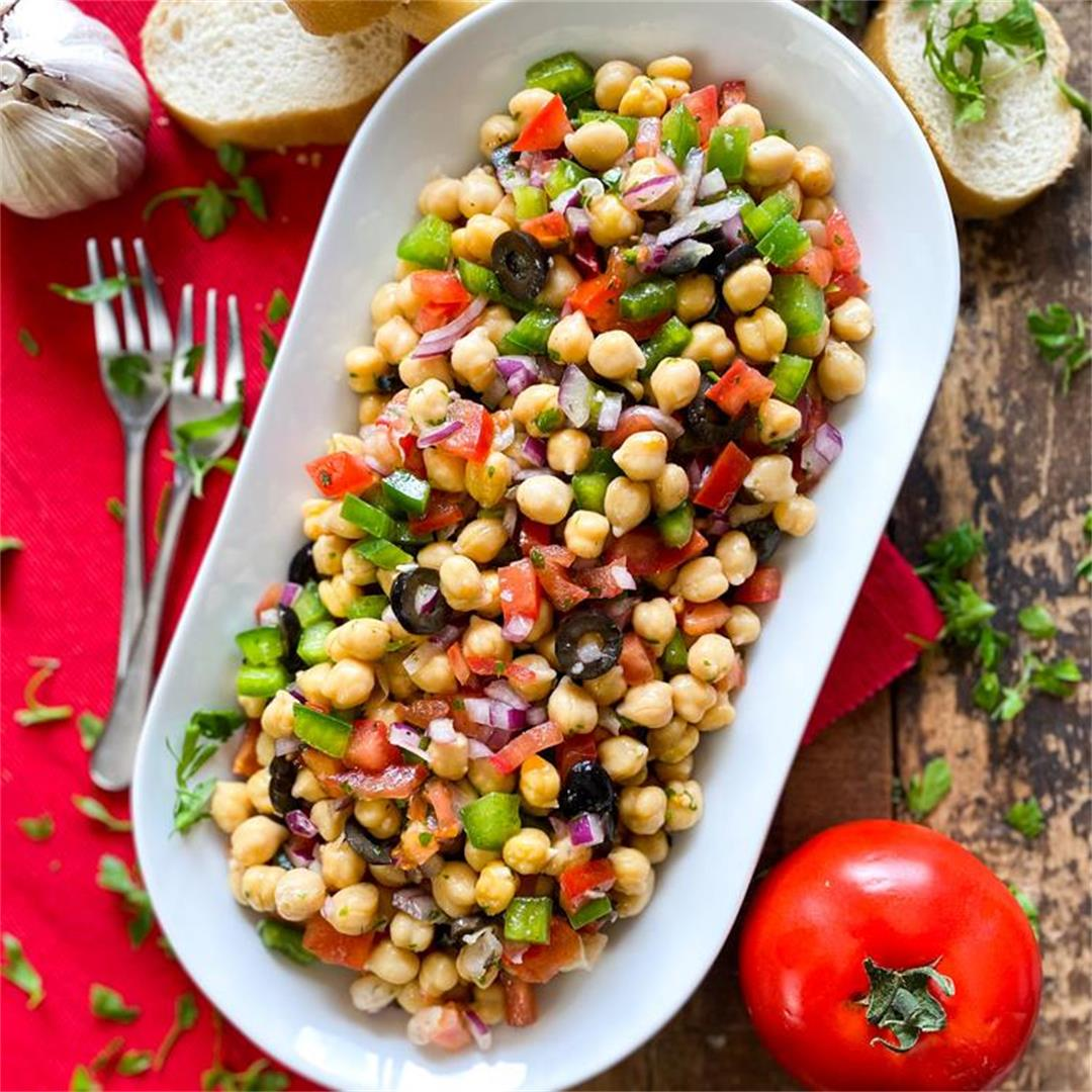 Classic Spanish Chickpea Salad