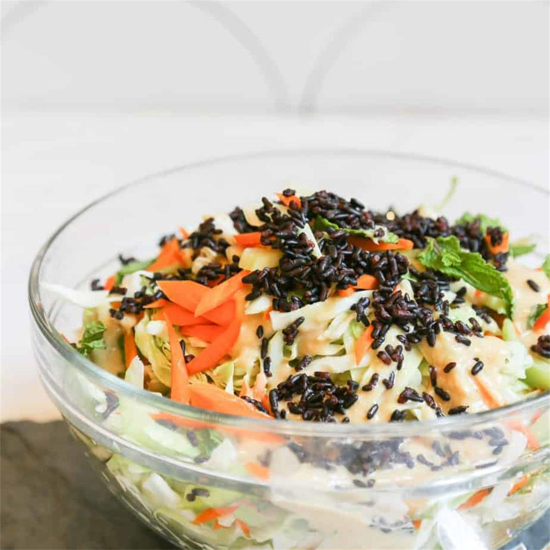 Accompaniment Salad With Cabbage and Miso Dressing