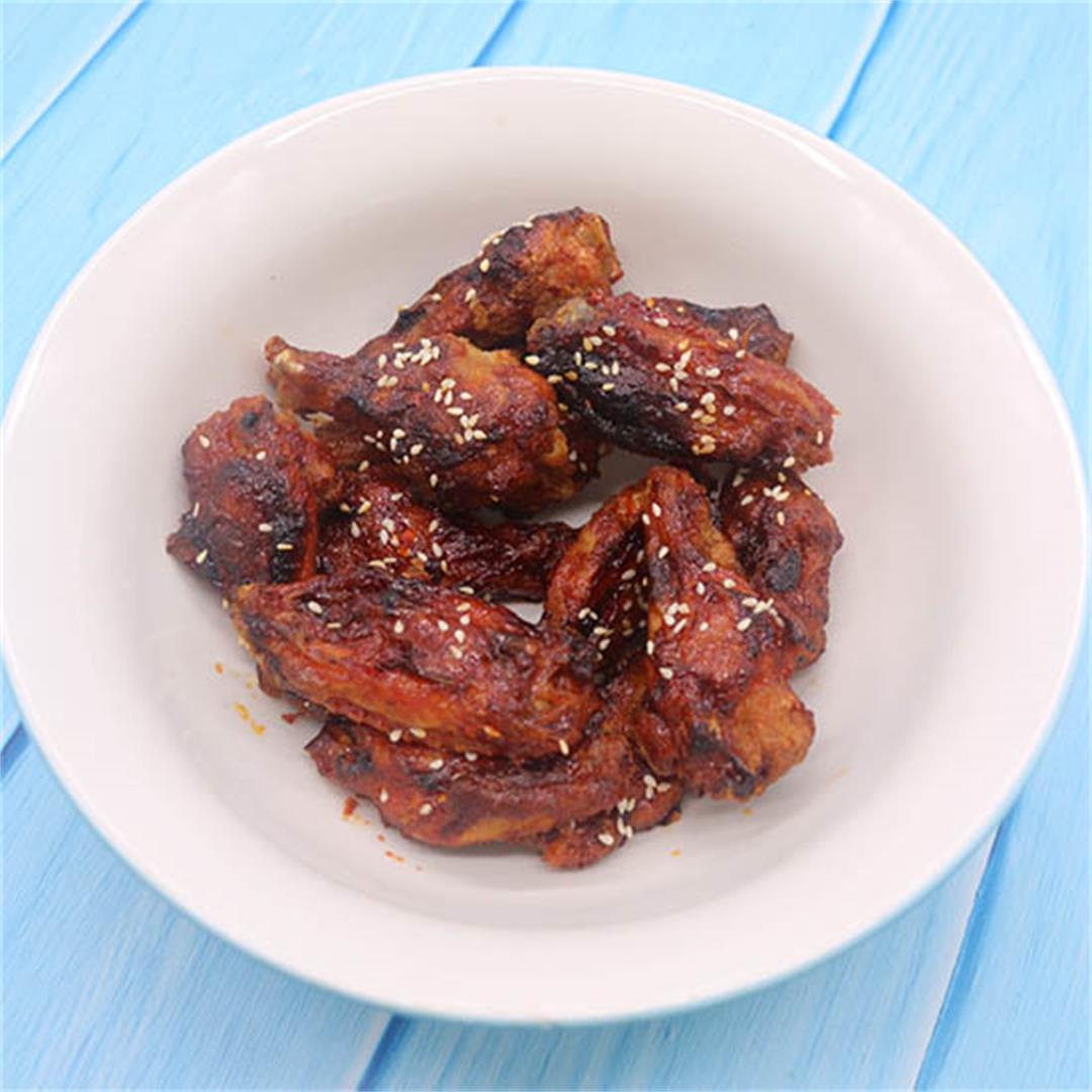 Honey and Sriracha Hot Wings