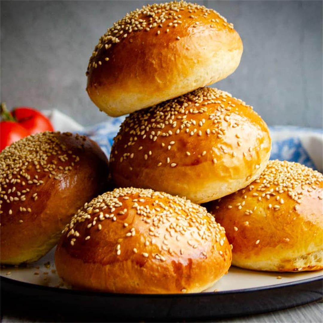 Super Soft Homemade Hamburger Buns (Tangzhong Method)