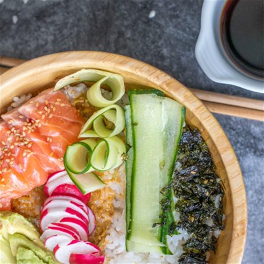 Salmon poke bowl with vegan mayo