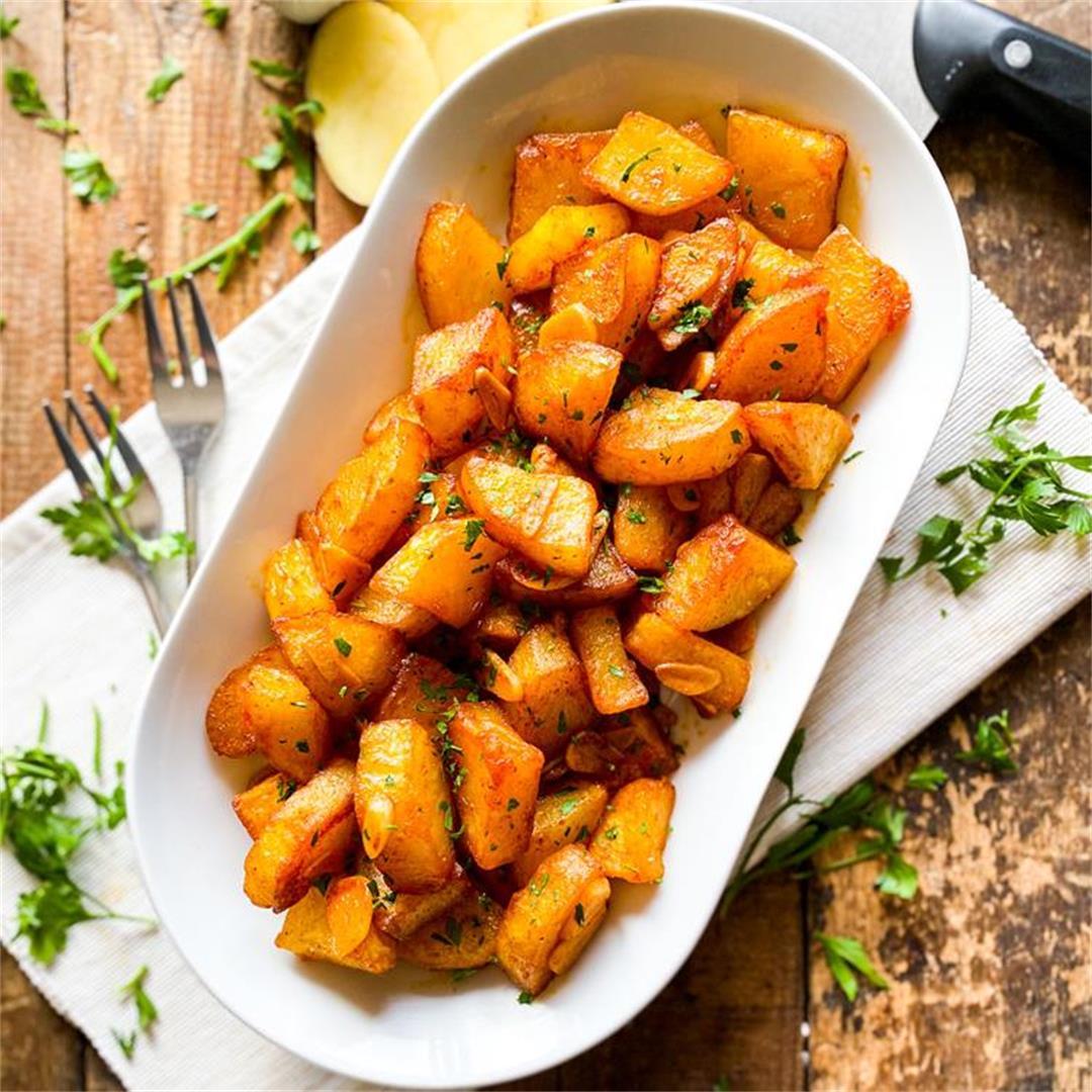 Spicy Garlic Spanish Potatoes   Patatas al Pil Pil Recipe