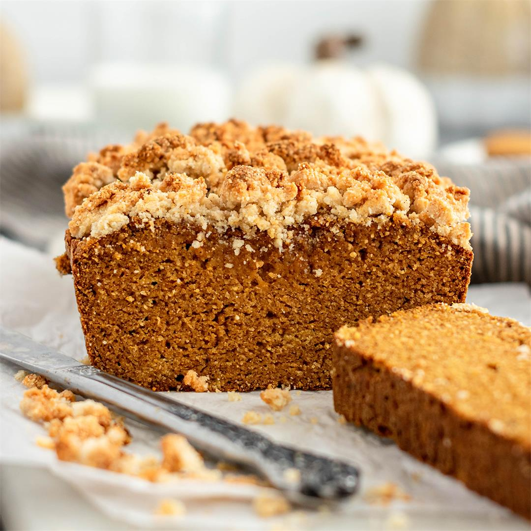 Paleo Pumpkin Bread with Streusel Topping