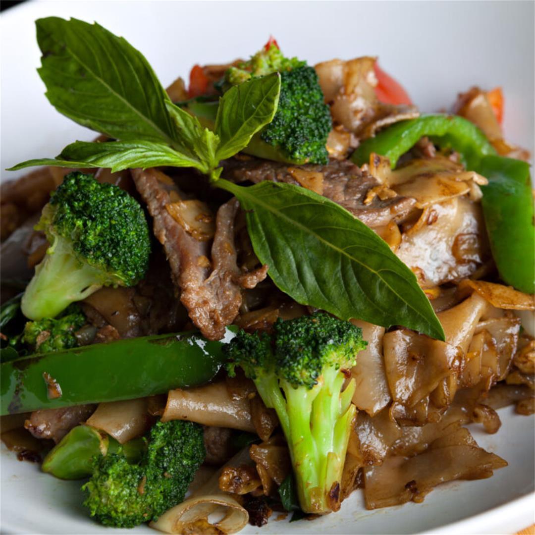 Thai Drunken Noodles (Pad Kee Mao) With Beef