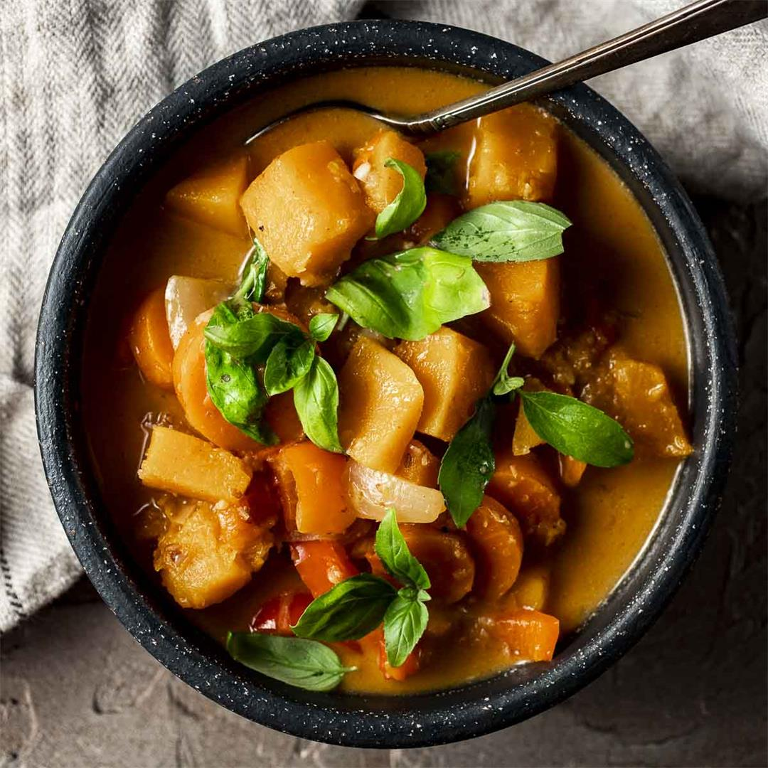 Spicy Thai Pumpkin Curry