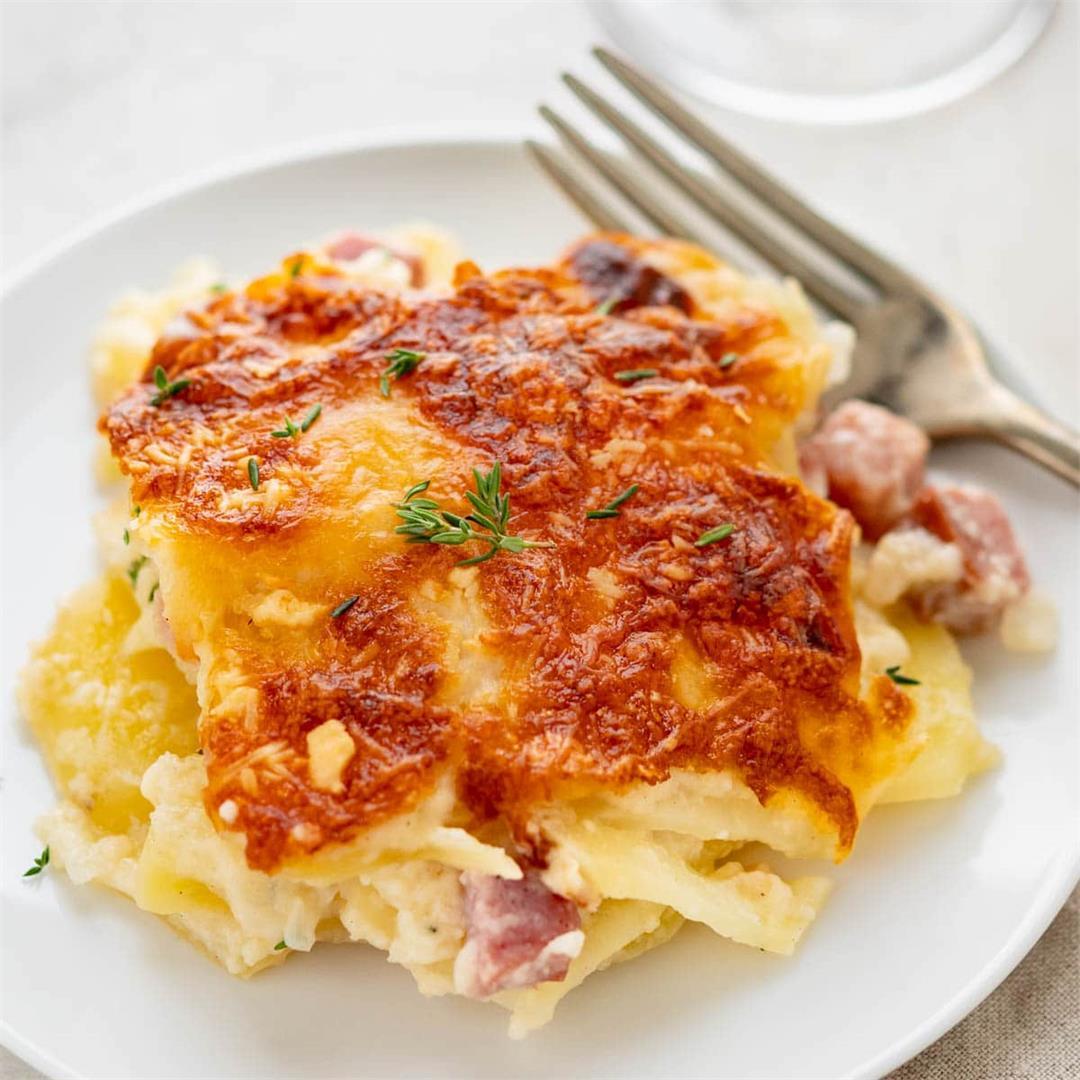 Cheesy Scalloped Potatoes and Ham Au Gratin