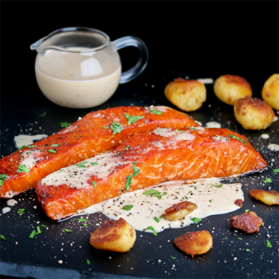 Smoked salmon fillets with a creamy white wine mustard sauce!